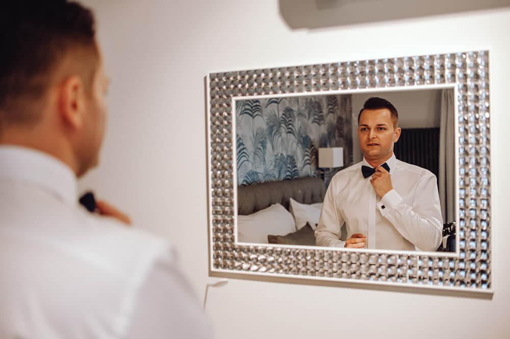 Zdjęcia z przygotowań pana młodego reportaż ślubny wolsztyn