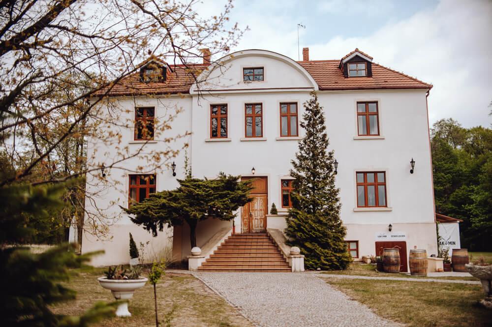 Pałac w Łąkominie
