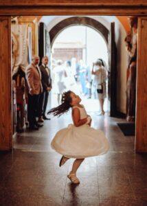 fotografia ślubna zdjęcia w kościele