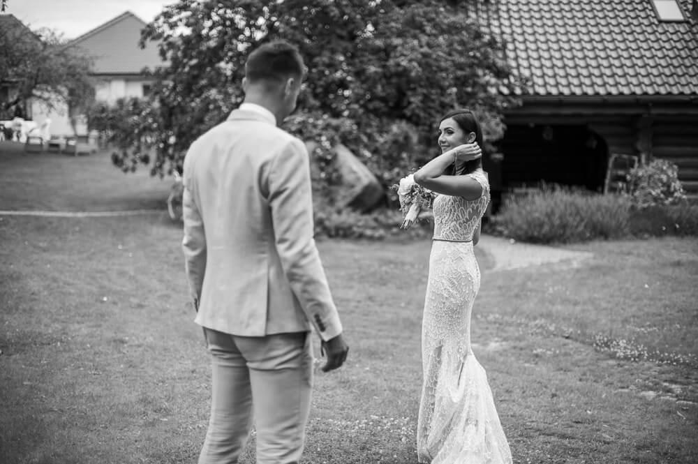 plenerowa sesja ślubna Winny Dworek