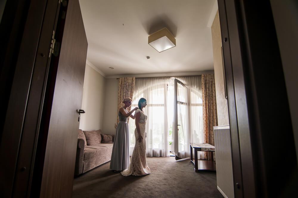 reportaż ślubny przygotowania panny młodej