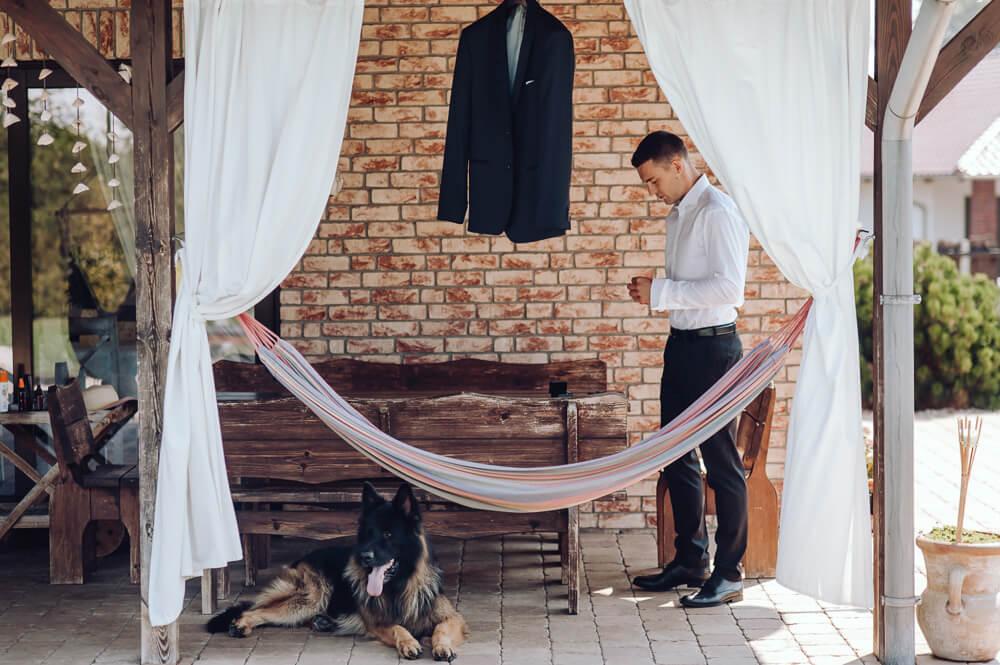 fotografia ślubna przygotowania młodego