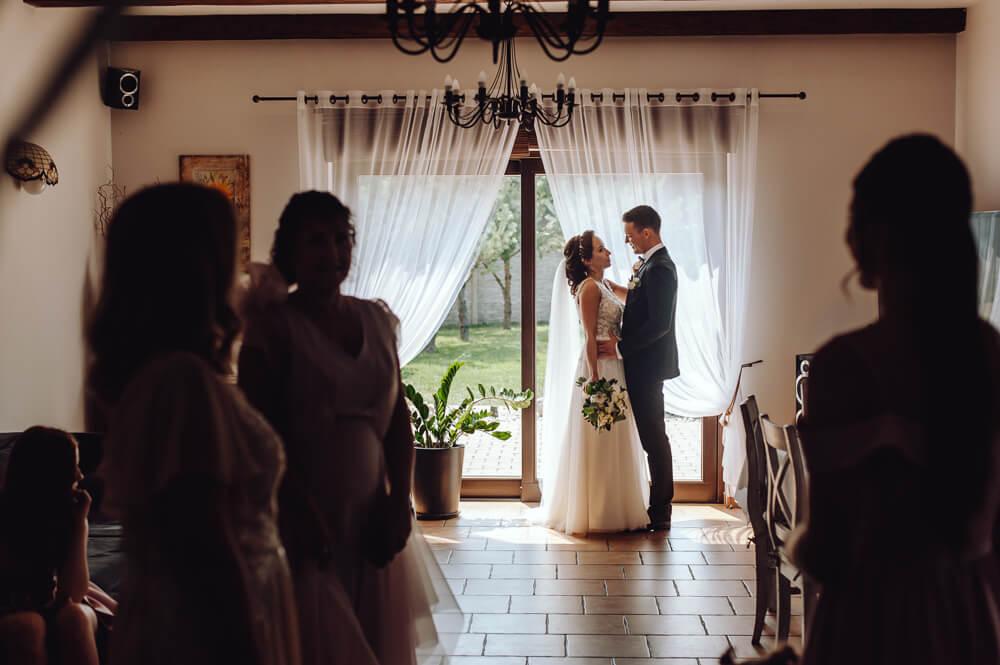 fotografia ślubna państwo młodzi