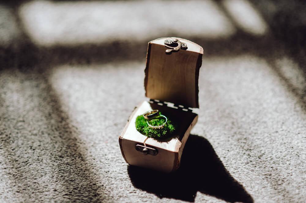 fotografia ślubna obrączki